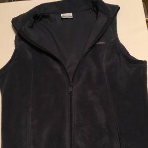 Columbia gray vest